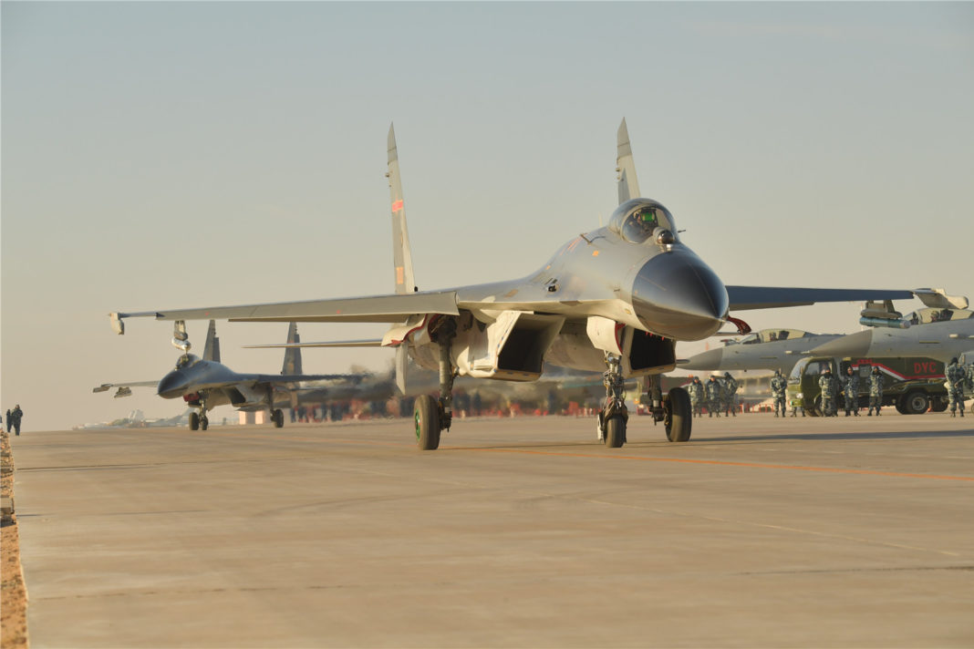 Shenyang J-11 en el Red Sword 2016